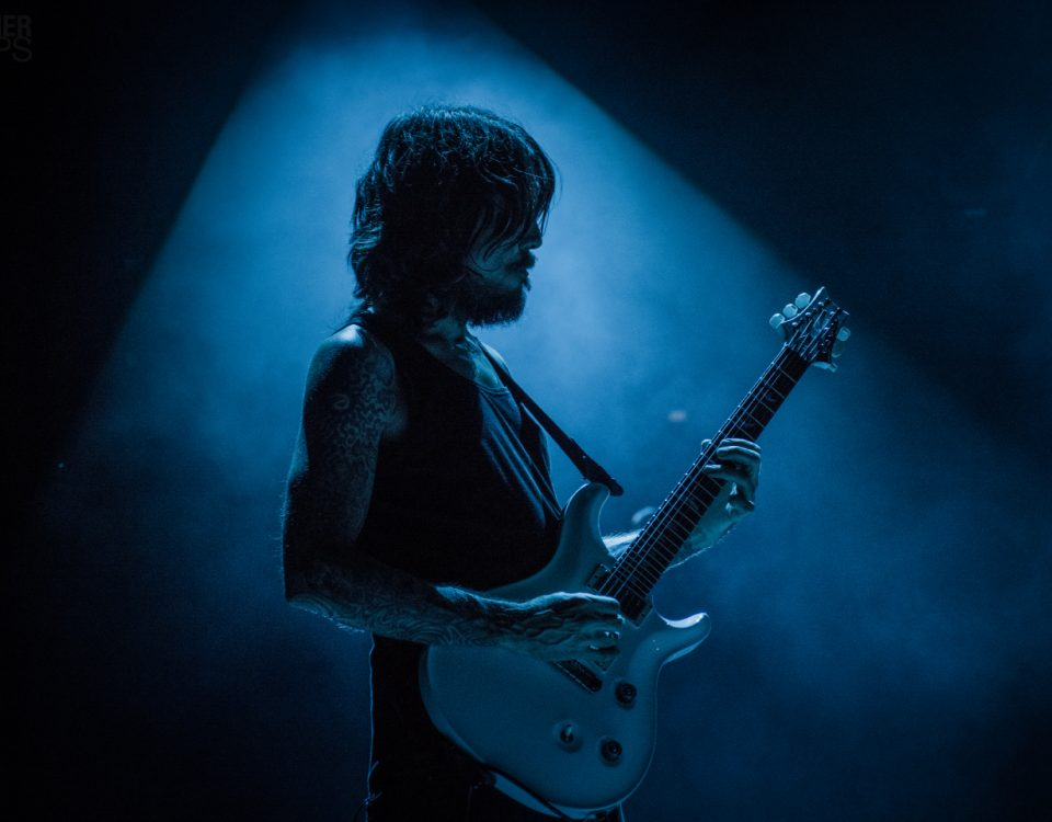 Tim Mahoney of 311 playing Live Blue PRS guitar solo amazing picture pic